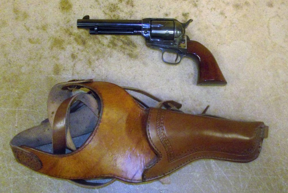 used Uberti Cattleman 1873 45 Colt Holster